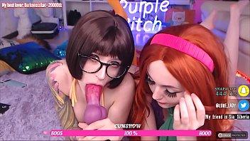 Daphne y Vilma se entregaron al sexo y chuparon sus culos