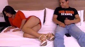Elizabeth Marquez pasa casting porno con honores y coje duro