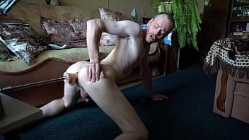 Ruso disfruta la máquina sexual de su hermana
